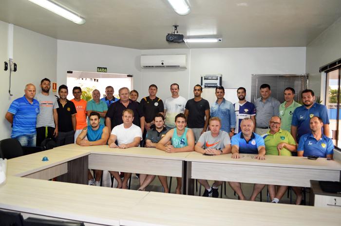 Encontro com representantes das equipes e direção do Sete definiu os últimos detalhes do Torneio de Verão