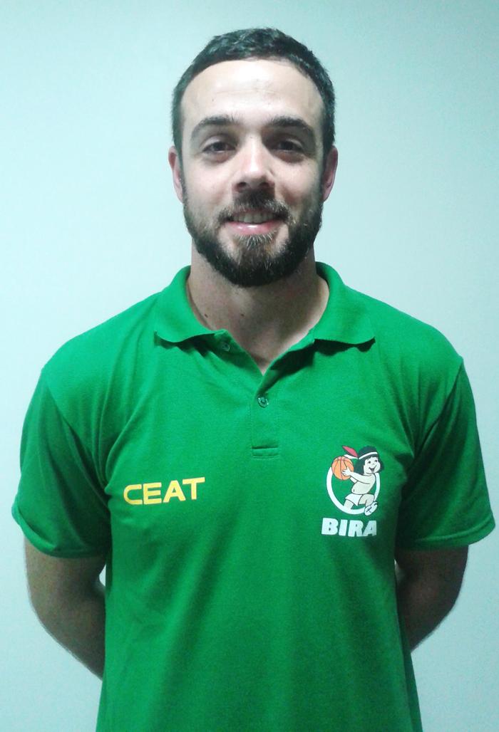 """Leonardo Menezes, o """"Aná"""" foi convocado para dirigir a seleção gaúcha sub 13 de basquete masculino. Foto: Elise Bozzetto"""