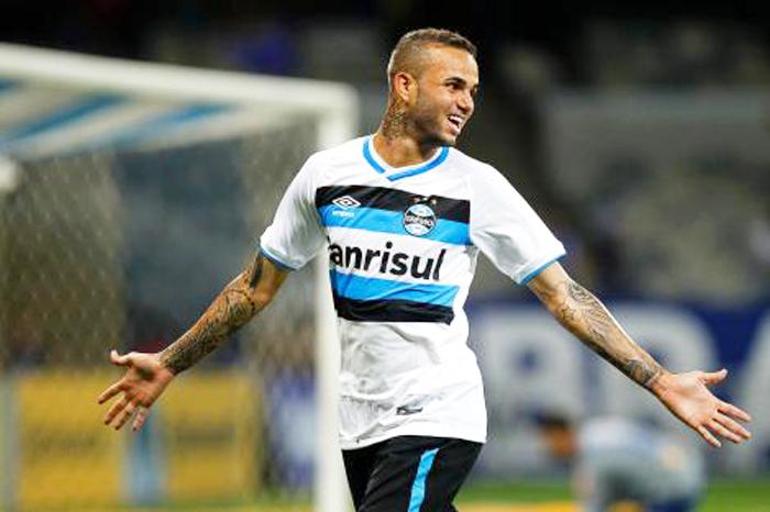 Luan marcou um golaço no Mineirão, abrindo o caminho da vitória do Grêmio diante do Cruzeiro.